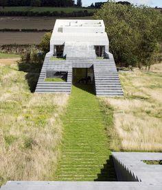 Flint House, Buckinghamshire, UK / by Skene Catling de la Peña Minimalist Architecture, Art And Architecture, Building Exterior, Building Design, Rothschild House, Grand Designs Uk, Beautiful Room Designs, Covered Walkway, Pump House