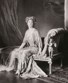 Daisy, Princess of Pless (1873-1943), 1910s