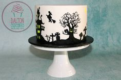 How to make a hand-painted spooky silhouette cake. Perfect for Halloween, or to practice painting on any cake. Check out some of our other cakes and sweet cr. Cake Decorating For Beginners, Cake Decorating Tutorials, Art Tutorials, Halloween Cakes, Halloween Treats, Cake Pops, Cake Cookies, Cupcake Cakes, Brown Sugar Cakes