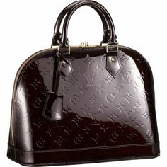 Cheap Louis Vuitton Alma PM Effortlessly stylish, the Alma PM is a more compact version of one of our iconic designs. Looking marvellously elegant in shiny Monogram Vernis leather, it's still an ideal size for everyday use. Louis Vuitton Online, Louis Vuitton Alma Pm, Louis Vuitton Wallet, Louis Vuitton Handbags, Louis Vuitton Monogram, Lv Handbags, Vuitton Bag, Designer Handbags, Handbags Online