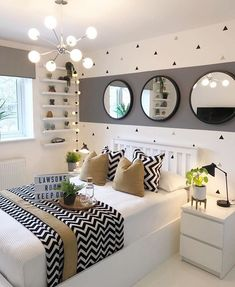 Fall bedroom decor - Here, the 40 best bedroom decor ideas with a variety of different style. Youll find unexpected to bedroom decor ideas. Fall Bedroom Decor, Room Ideas Bedroom, Teen Bedroom Colors, Bedroom Designs, Bed Room, Bedroom Furniture, Bedroom Inspo, Colors For Small Bedrooms, Kids Bedroom
