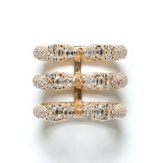 """La bague """"Ophydienne"""" de Repossi http://www.vogue.fr/joaillerie/le-bijou-du-jour/diaporama/bague-trois-rangs-ophydienne-repossi-or-rose-diamants/11318#!2"""