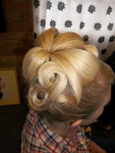 Late 60's hair by Lipstick and Curls  www.lipstickandcurls.net