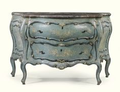 AN ITALIAN TWO-TONE CARVEDBLUE AND WHITE LACQUERED COMMODE, VENETIAN MID 18TH CENTURY