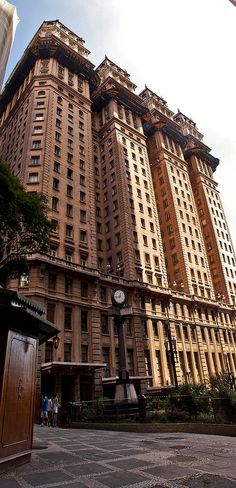 Prédio Martinelli, the first skyscrapper in Sao Paulo - Brasil