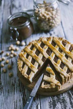 Sentirai che profumo invaderà la cucina quando sfornerai la mia crostata alla Nutella! Da innamorarsi al primo assaggio!