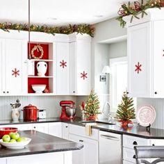 Awesome 42 Amazing Christmas Kitchen Cabinets Decorating Ideas https://toparchitecture.net/2017/12/01/42-amazing-christmas-kitchen-cabinets-decorating-ideas/