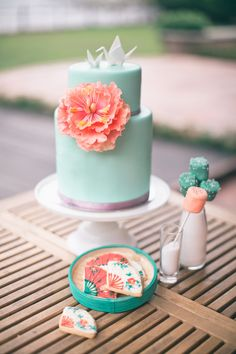 Aqua cake with coral flower. Patisseries A Legna. Photography: Jada Poon Photography - jadapoonphotography.com