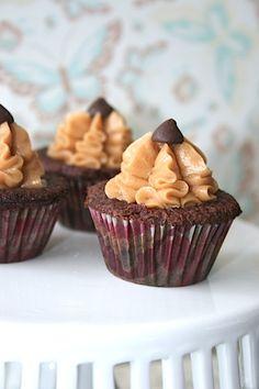 Cupcakes de chocolate con matenquilla de maní