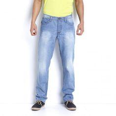 Jeansi din denim cu croiala dreapta. bumbac pur, potrivit de purtat tuturor siluetelor daorita croielii drepte. Slit cu nasture. Dimensiune interioara:86 cm. Jos: 21cm.  159.99 LEI