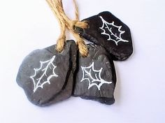 Slate Christmas decorations, Set of 3 Rustic hanging decorations with Holly Leaf, Natural Christmas Ornaments, Unique Christmas Decor by ButterandBath on Etsy Natural Christmas Ornaments, Christmas Tree Decorations Sets, Christmas Crafts, Hanging Decorations, Holiday Decor, Slate Art, Slate Rock, Barn Crafts, Handmade Ornaments