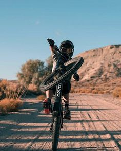 MTB Dating is the dating site for singles with a passion for mountain biking. Shred the mountain bike trails together; Mountain Biking Women, Mountain Bike Trails, Downhill Bike, Mtb Bike, Road Bike, Freeride Mtb, Montain Bike, Mountain Bike Helmets, Biker