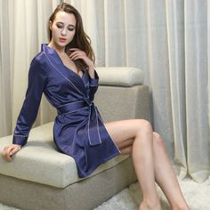 2016 spring and autumn ladies pajamas high-end simulation silk pajamas Europe and the United States sexy thin section robe