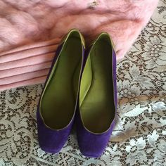 Preloved Diane Von Furstenberg flats Rare combination of green insole and violet suede leather ballet flat..signature lattice emblem brands the leather heel cup.small nick on the outer sole.(see picture)but still in great condition. size 7.5 Made in Brazil. Diane von Furstenberg Shoes Flats & Loafers