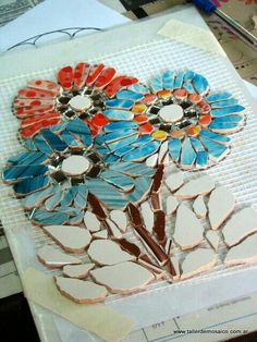Mosaic flowers, work in progress Mosaic Tile Art, Mosaic Pots, Pebble Mosaic, Mirror Mosaic, Mosaic Diy, Mosaic Garden, Mosaic Crafts, Mosaic Projects, Stone Mosaic