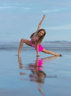final photos of Maddie Ziegler from her Sharkcookie photo shoot Dance Picture Poses, Dance Photo Shoot, Dance Poses, Dance Pictures, Dance Photoshoot Ideas, Maddie Ziegler Photoshoot, Modern Dance, Dance Hip Hop, Dance Aesthetic