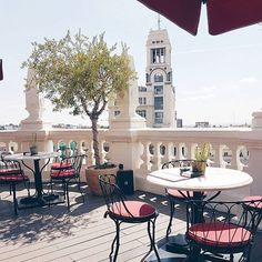 We've been exploring the stunning city of Madrid over the last few days and visiting all our beautiful hotels there! Have you been keeping up to date with our Insta Story? 📸 @elenista - - - - - - #travel #holiday #luxury #luxuryhotel #boutiquehotel #luxurytravel #madrid #spain #principal #principalmadrid #rooftop #breakfast #sunshine #sunny #explore