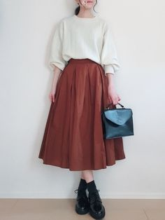If you want natural, attempt tucking mini skirt in a One. Muslim Fashion, Modest Fashion, Fashion Dresses, Long Skirt Fashion, Cute Casual Outfits, Pretty Outfits, Mode Ulzzang, Long Skirt Outfits, Korean Fashion Trends