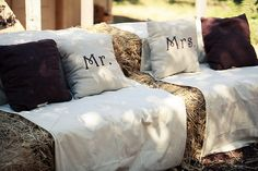 Trendy Wedding Signs For Seating Hay Bales Ideas Hay Bale Couch, Hay Bale Seating, Hay Bales, Straw Bales, Wedding Week, Wedding Dj, Trendy Wedding, Wedding Signs, Wedding Ideas