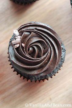 Perfect Chocolate Espresso Cupcakes | VanillaAndBean.com #valentines #recipe