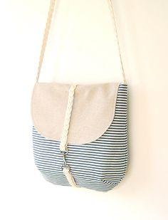 travel over the shoulder bag