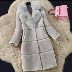 Long Faux Fur Coat, Faux Fur Jacket, Mode Mantel, Winter Fur Coats, Fur Collar Coat, Cashmere Coat, Warm Coat, Style Fashion, Bridesmaid Dresses