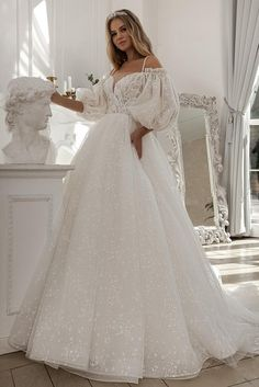 Pretty Wedding Dresses, Wedding Dresses With Straps, Wedding Dress Sleeves, Wedding Dresses Plus Size, Pretty Dresses, Dress Wedding, Spaghetti Strap Wedding Dress, Spaghetti Straps, Boho Stil