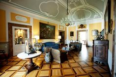 Villa San Gennariello, Campania, ItalyFeel oh-so-fancy in this swanky B