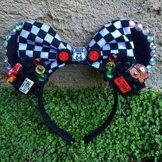Diy Disney Ears, Disney Mickey Ears, Run Disney, Disney Diy, Mickey Mouse, Disneyland Outfits, Disneyland Trip, Flower Crown Headband, Cars Birthday Parties