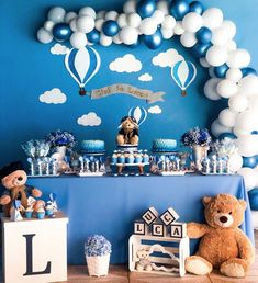 2 Ideias para Festa Ursinho Baloeiro Fancy Baby Shower, Cute Baby Shower Ideas, Shower Bebe, Baby Shower Decorations For Boys, Boy Baby Shower Themes, Baby Shower Balloons, Birthday Balloons, Baby Boy Shower, Birthday Parties