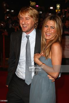 Owen Wilson and Jennifer Aniston attend the UK premiere of 'Marley And Me' at the Vue West End, Leicester Square on March 2, 2009 in London, England.
