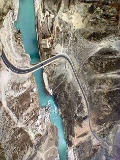 Pakistan Zindabad, Pakistan Travel, Islamabad Pakistan, World Most Beautiful Place, Beautiful Places To Visit, Karakoram Highway, Dangerous Roads, Explore Travel, Cool Countries