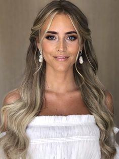 Gissa vem som gift sig i hemlighet? Bride Hairstyles, Summer Hairstyles, Hairstyles With Bangs, Wedding Hair And Makeup, Bridal Makeup, Bridal Hair, Brown Blonde Hair, Brunette Hair, Boho Makeup