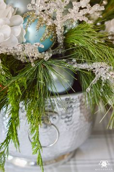 icy-blue-and-white-christmas-dinner-table-ideas-with-deer-15-of-16