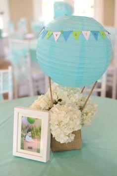 Hot air balloon centerpiece - centro de mesa feito com lanyerna japonesa