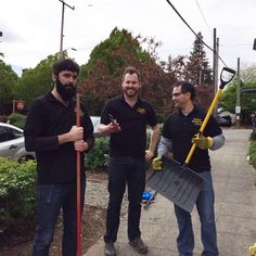 Last Friday, some @communityhealthplanwashington employees did yard work at Country Doctor Community Health Centers in Seattle. It was a great day to help clean up their garden for summer!