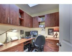 Your own home office with plenty of space