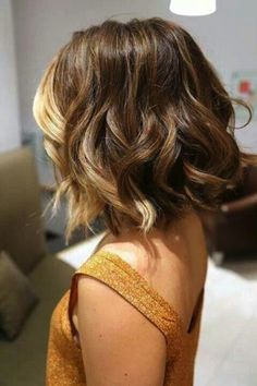 Your Look With These Inspired Cute Short Haircuts For 2015 Short ombré hair with more color at the front. This is exactly what I want!Short ombré hair with more color at the front. This is exactly what I want! Love Hair, Great Hair, Amazing Hair, Ombré Hair, Hair Day, Hair Locks, Hair Wigs, Medium Hair Styles, Curly Hair Styles