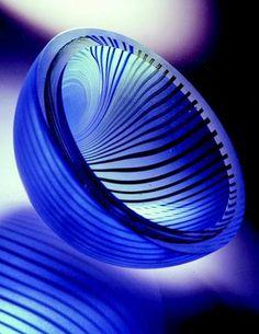 "Amazing color - really like the design by Charlie MacPherson - ""Dizzy Spiral"" glass bowl. - like the ribbing/stripes! Cobalt Glass, Cobalt Blue, Fused Glass, Aqua, Blown Glass, Art Of Glass, My Glass, Bleu Indigo, Art Vintage"