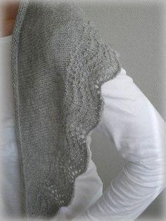 Vu chezMelle K et Karyn, je l'ai tout de suite adoré et adopté ! Une merveille de douceur grâce à cette laine achetée ici ! ... Knitted Scarves, Knitted Shawls, Gilets, Knitting Ideas, Men Sweater, Sweaters, Collection, Fashion, Cowl