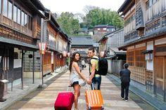 Tour por Kanazawa al mejor precio. Reservar Tour guiado para visitar Kanazawa con guía turístico especializado en historia y cultura japonesa. ❤️ Kanazawa, Tours, Street View, Imperial Japanese Navy, Suspension Bridge, Traditional Homes, The Neighbourhood, Castles