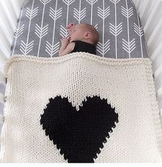 love the large weight yarn and design