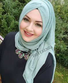 They look pretty because basicly they have a pretty face Hijabi Girl, Girl Hijab, Beautiful Muslim Women, Beautiful Hijab, Hijab Dress, Hijab Outfit, Arabian Beauty Women, How To Wear Hijab, Moslem