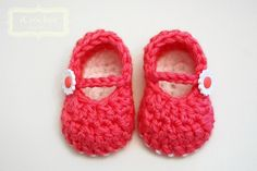 Pink Crochet Mary Janes w/ Daisy Buttons_e_04XR - via @Craftsy