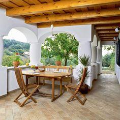 A cikket is olvassátok el, megéri! forrás Mud House, Rural House, Love Home, My Dream Home, Exterior Design, Interior And Exterior, Oak Frame House, Old Country Houses, Weekend House