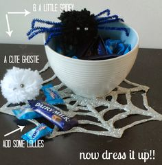 Sparkly Spiderweb Placemats Halloween Craft | Guest Post by Glitter Bug - A Little Claireification