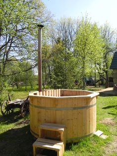 Hot Tubs - heated with a wood burning stove - really want one Jacuzzi, Home Spa, Hot Pot, Hot Tubs, Tiny Living, Outdoor Furniture, Outdoor Decor, Montage, Bathtub