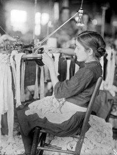 lewis hine photographs | Worker in the Cherokee Hosiery Mill, Rome, Georgia, 1913