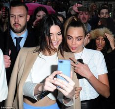 Kendall Jenner and Cara Delevingne on the front row of Topshop show #dailymail
