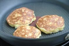 Photo to the recipe: Banana fritters without flour and sugar
